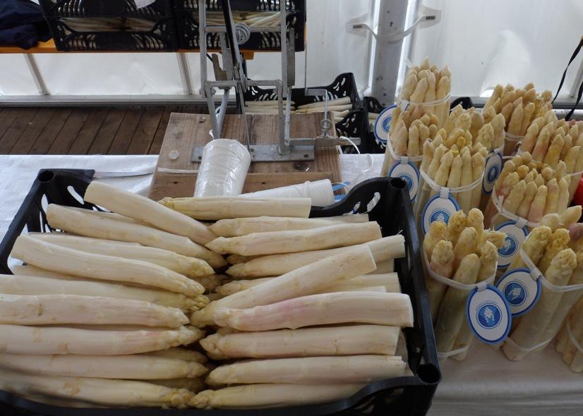 Asparago bianco del Friuli al mercato