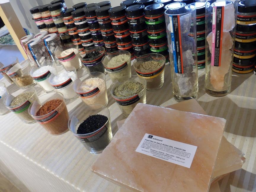 Vari tipi di sale e piastra di sale